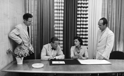 Harry Bertoia at the Knoll offices in NYC, with Florence and Hans Knoll (seated) and Herbert Bayer (l).