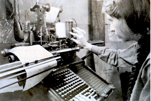 Ferrari working at the Monotype keyboard, 1985