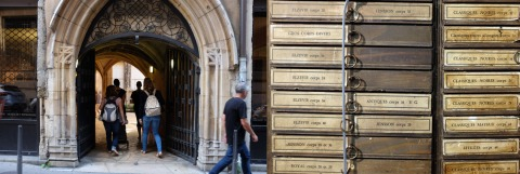 Entrance to the Printing Museum (l) and a few cases of their type collection (r).