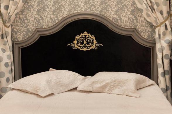 bed monogram